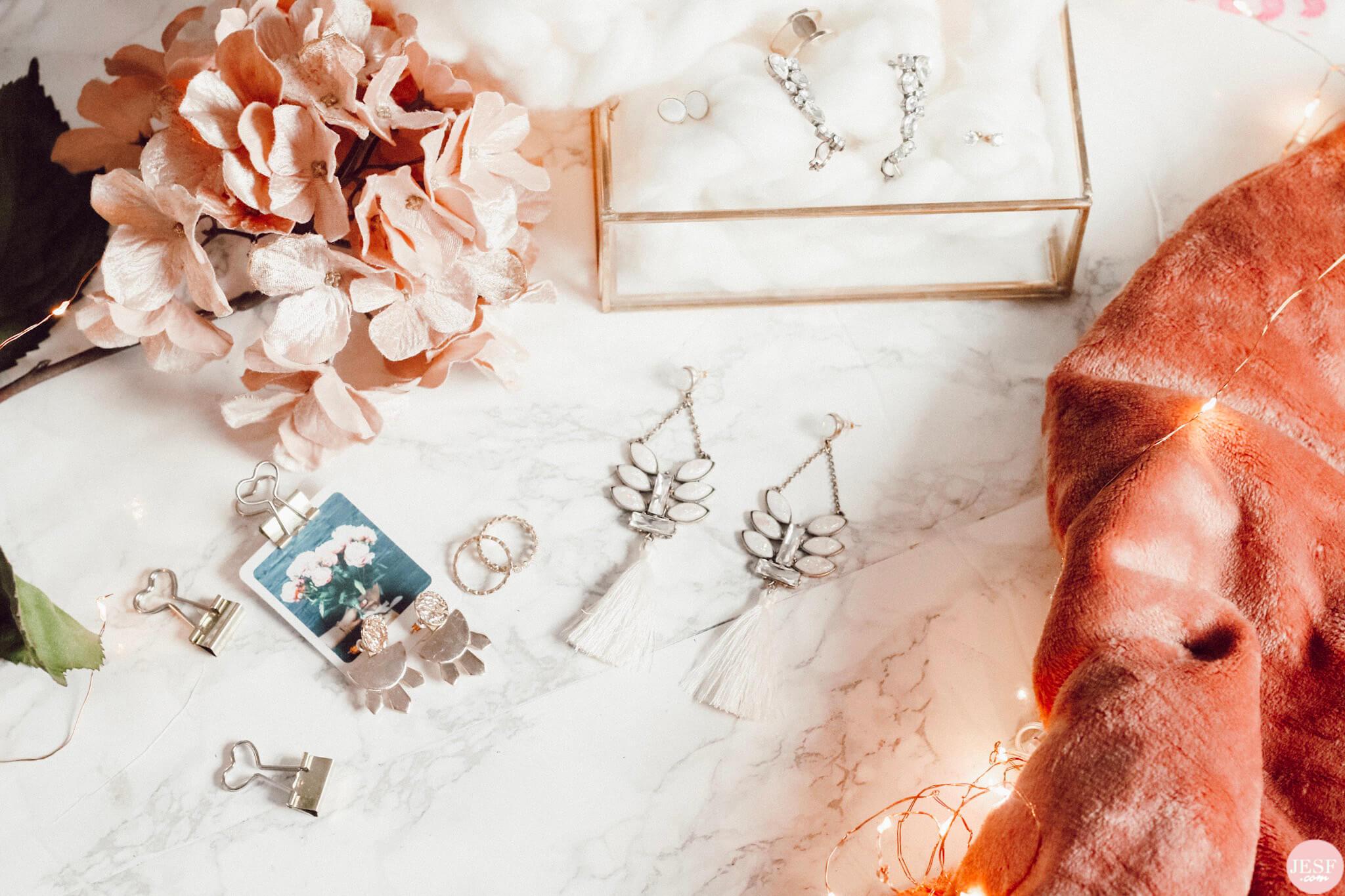 bijoux-tendances-fantaisies-plaqué-or-femmes-bagues-boucles-oreilles
