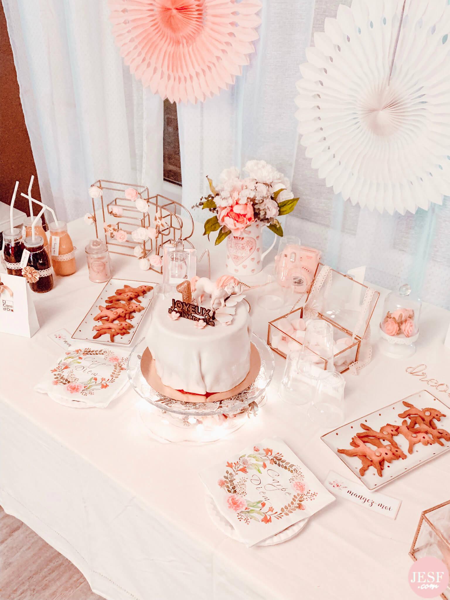 fête-anniversaire-sweet-table-petite-fille-1-an-girly-rose-idées-déco