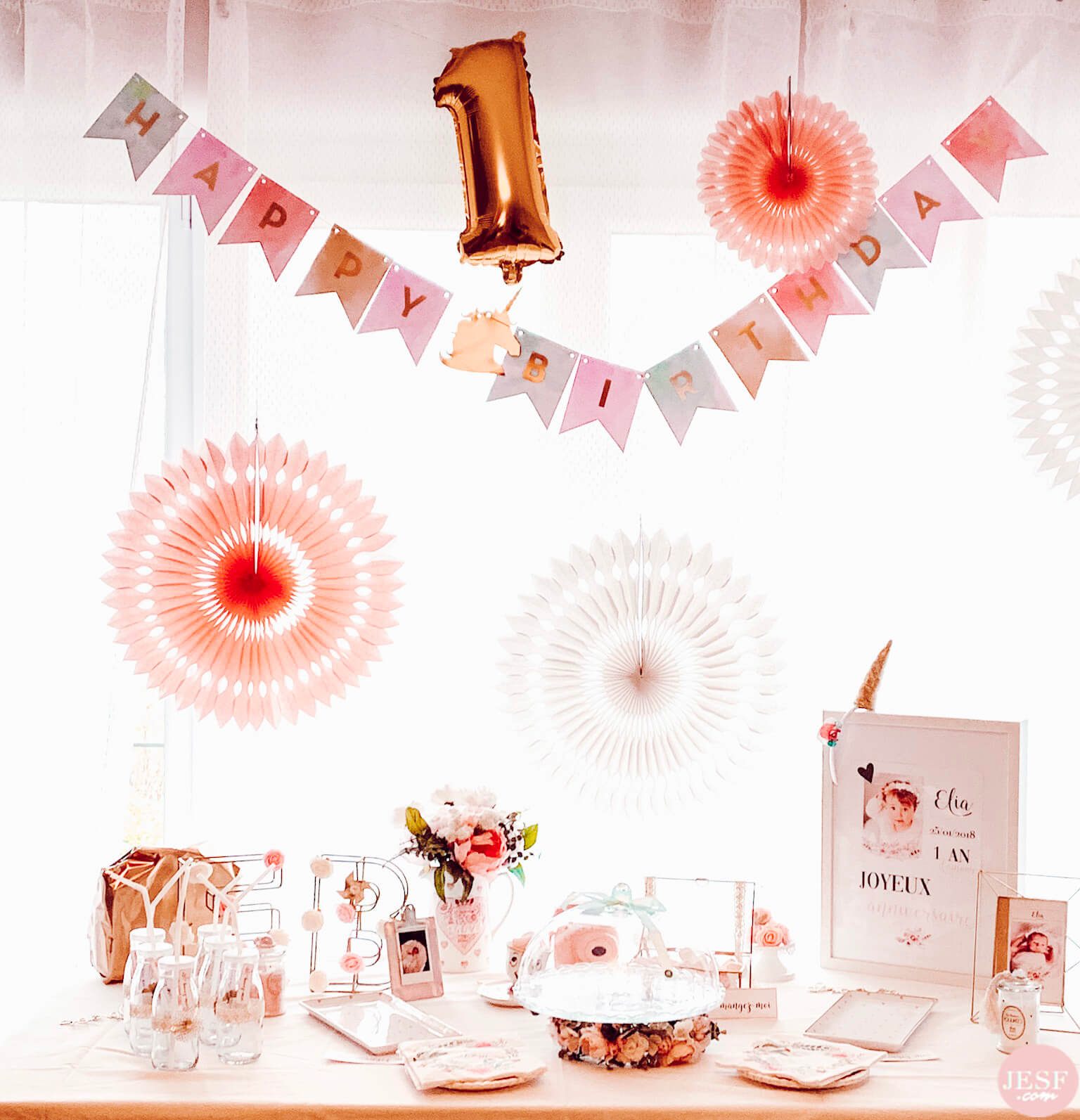 fête-anniversaire-sweet-table-petite-fille-1-an-girly-rose-or