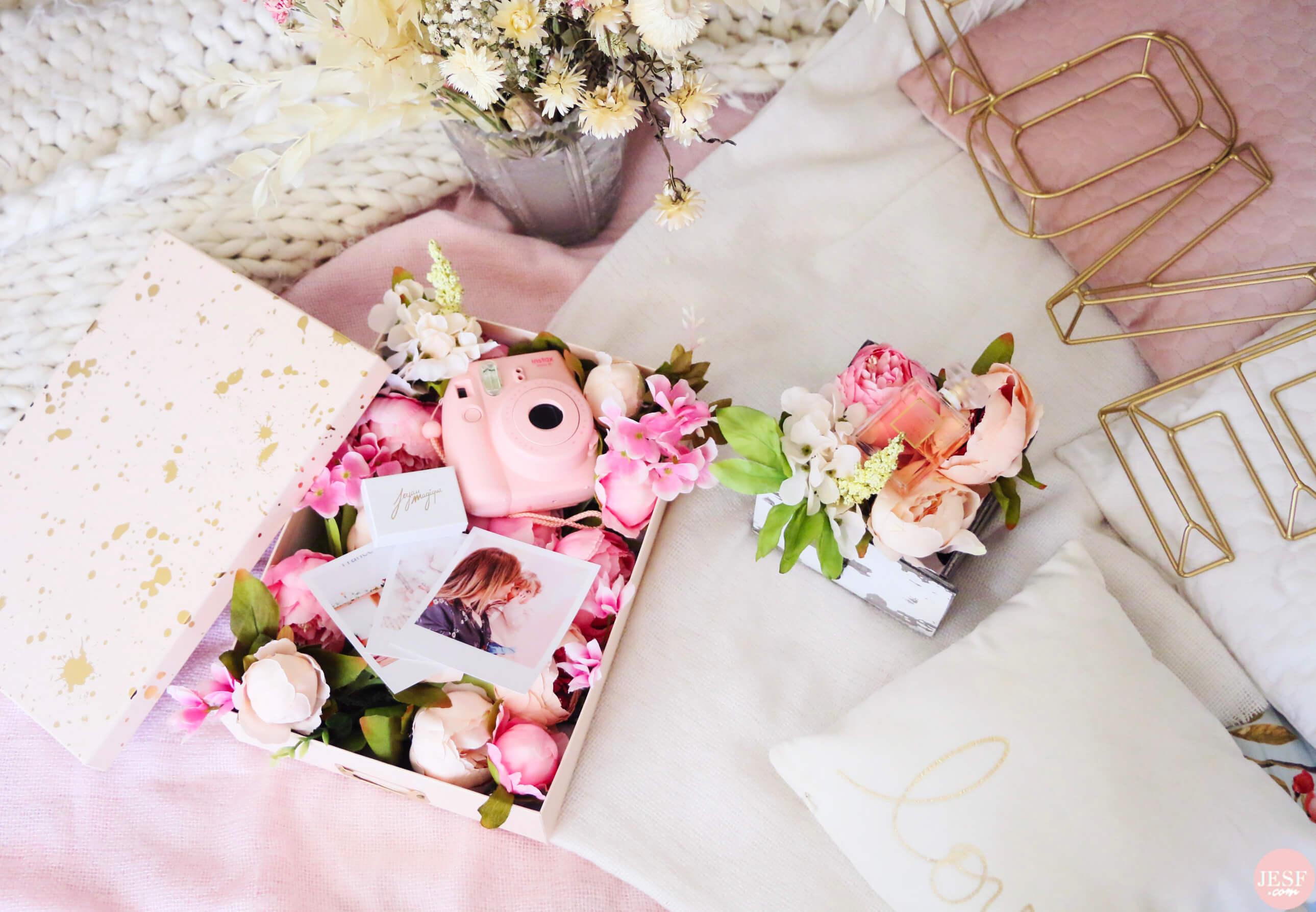 DIY-fête-des-mères-boites-fleurs-emballage-polaroid-parfum-bijoux