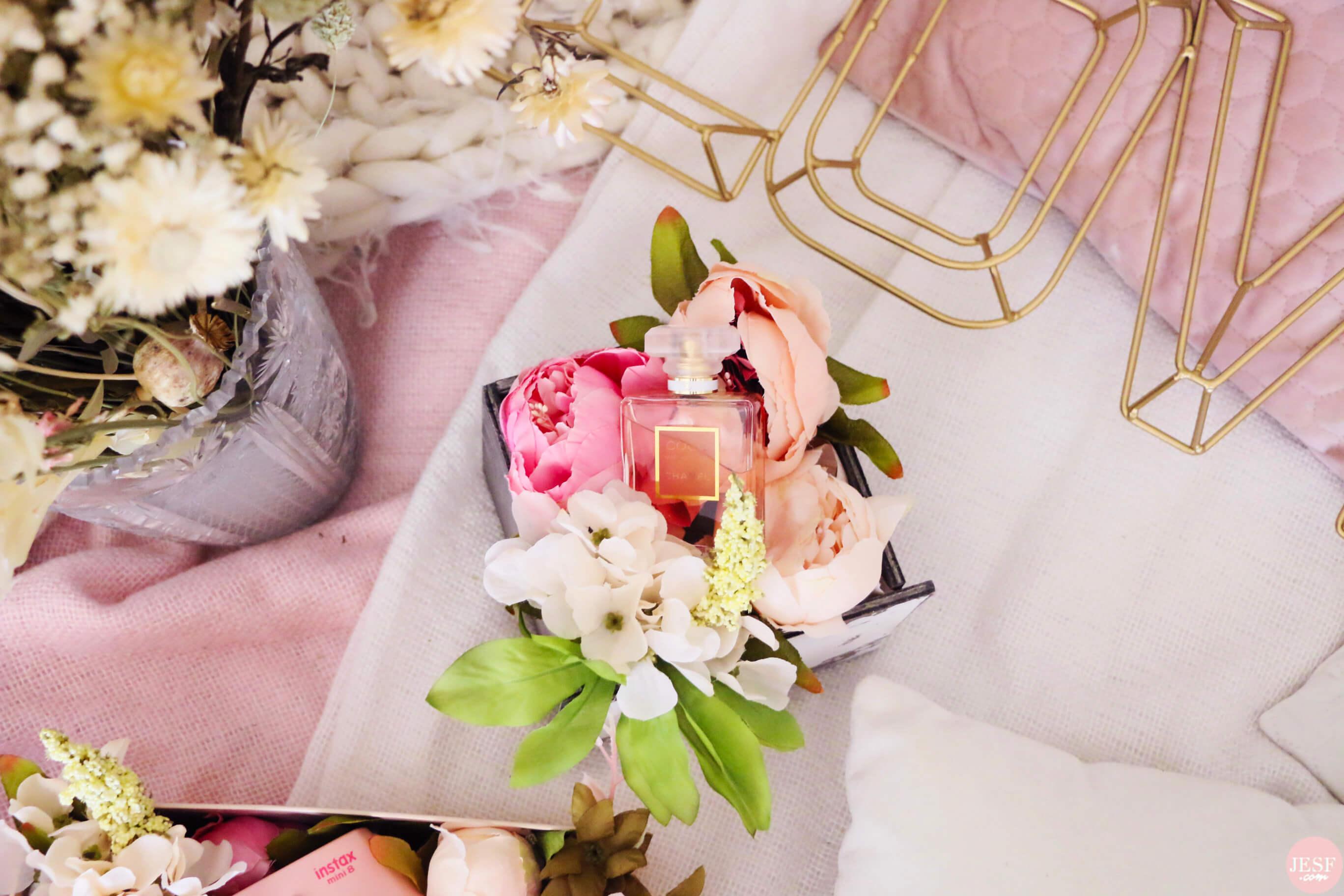 DIY-fête-des-mères-boites-fleurs-emballage-polaroid-parfum-bijoux(2)